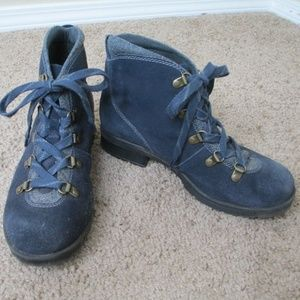 Clark's Hiking Boots Lace up 7.5 Women's Blue